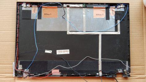 Lenovo L540 LCD kijelző hátlap - törött - kábelekkel 60.4LH11.001 04X4855 42.4LH08-001