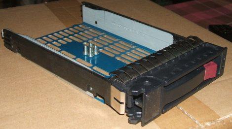 HP SATA SAS HDD keret 373211-002 ProLiant serverbe