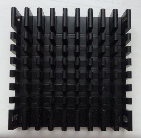 hűtőborda 40x40x10 mm - öntapadó - fekete