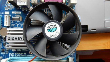 Cooler Master s775 processzor hűtő cpu cooler 3 eres kábel 3 pin