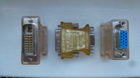DVI - VGA átalakító adapter