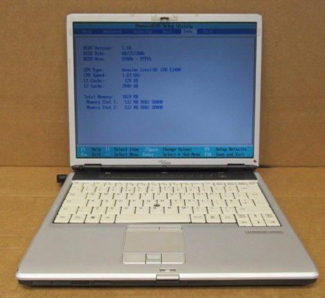 FUJITSU LifeBook S7110 - a burkolat több helyen törött - a gép még egészben van YK2K171769 - írj levelet!!!