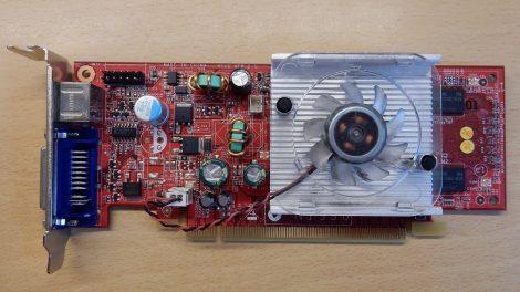 NVIDIA GeForce 8400 256M DDR2 - MSI NX8400-E (MS-V116) PCI-e VGA kártya DVI és S-Video csatlakozóval - Low Profile - alacsony