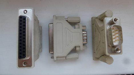 RS-232 9 - 25 tűs átalakító adapter