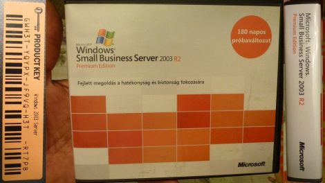 Windows Small Business Server 2003 R2 Premium Edition - 180 napos próbaváltozat - 9 CD lemez